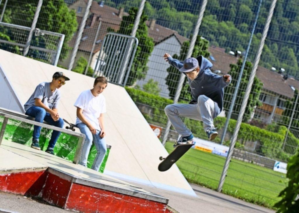 Neben Boards und Skates sind im inklusiven Geislinger Skatepark auch Sportrollstühle gerne gesehen. Foto: Horst Rudel