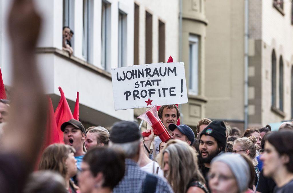 Neben den Nachbarn erklärten sich auch Demonstranten solidarisch. Foto: Lichtgut/Julian Rettig