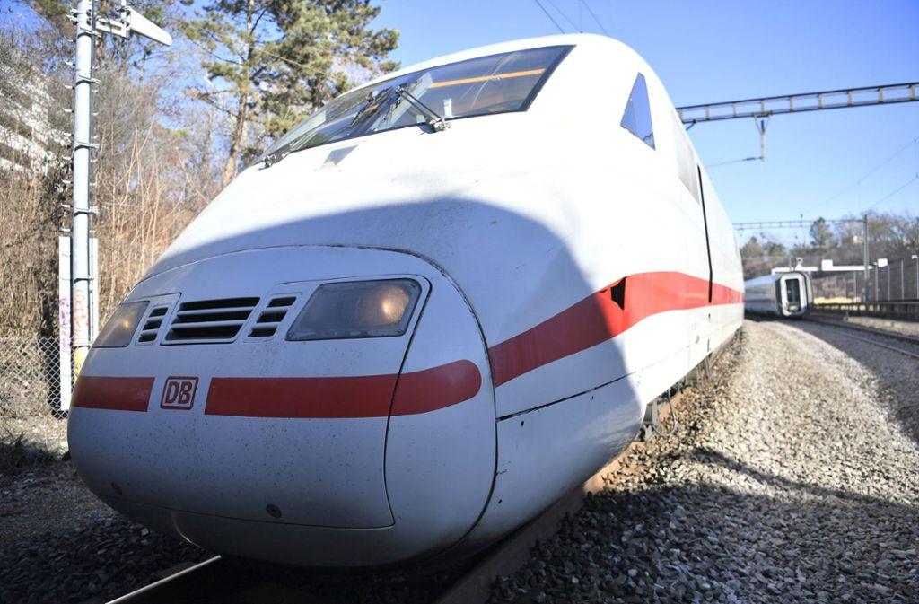 Am Sonntag war ein ICE aus Berlin kurz vor dem Baseler Bahnhof aus den Gleisen gesprungen. Foto: KEYSTONE