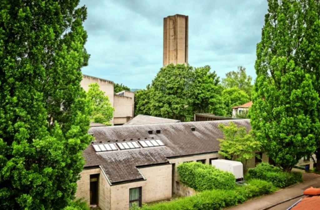 """""""Jedes Haus ist eine Plastik"""", sagt der Architekt Ernst Gisel, vom dem das Ensemble der Sonnenbergkirche stammt. Foto: Martin Stollberg"""