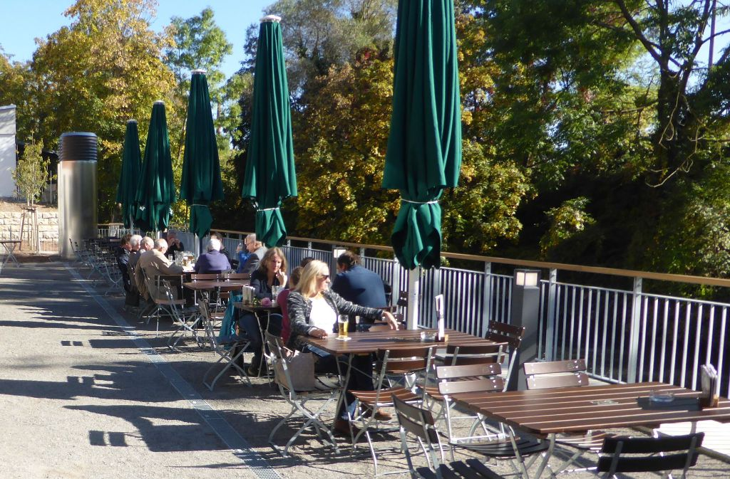 au engastronomie in esslingen neuer biergarten lockt an den neckarkanal landkreis esslingen. Black Bedroom Furniture Sets. Home Design Ideas