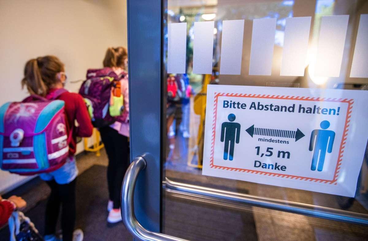 Abstand halten ist das Gebot der Stunde. Foto: dpa/Jens Büttner