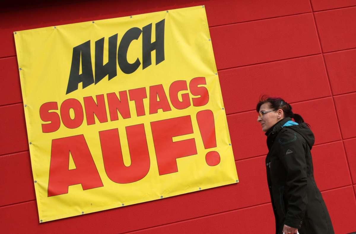 In Baden-Württemberg gibt es weiter strenge Regeln zu den Sonntagsöffnungen. Foto: dpa/Bernd Wüstneck