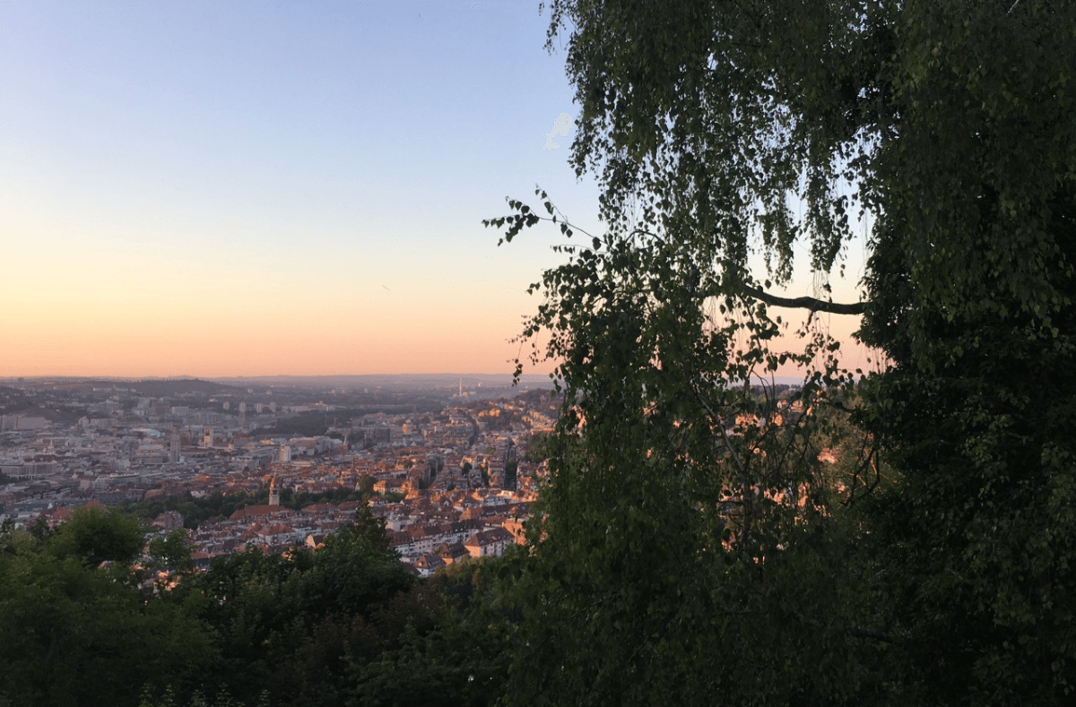 Die Kessellage hat vor allem eines zu bieten: Aussichtspunkte ohne Ende. Wir zeigen euch die Stuttgarts schönste Ecken mit Ausblick in. Foto: Tanja Simoncev