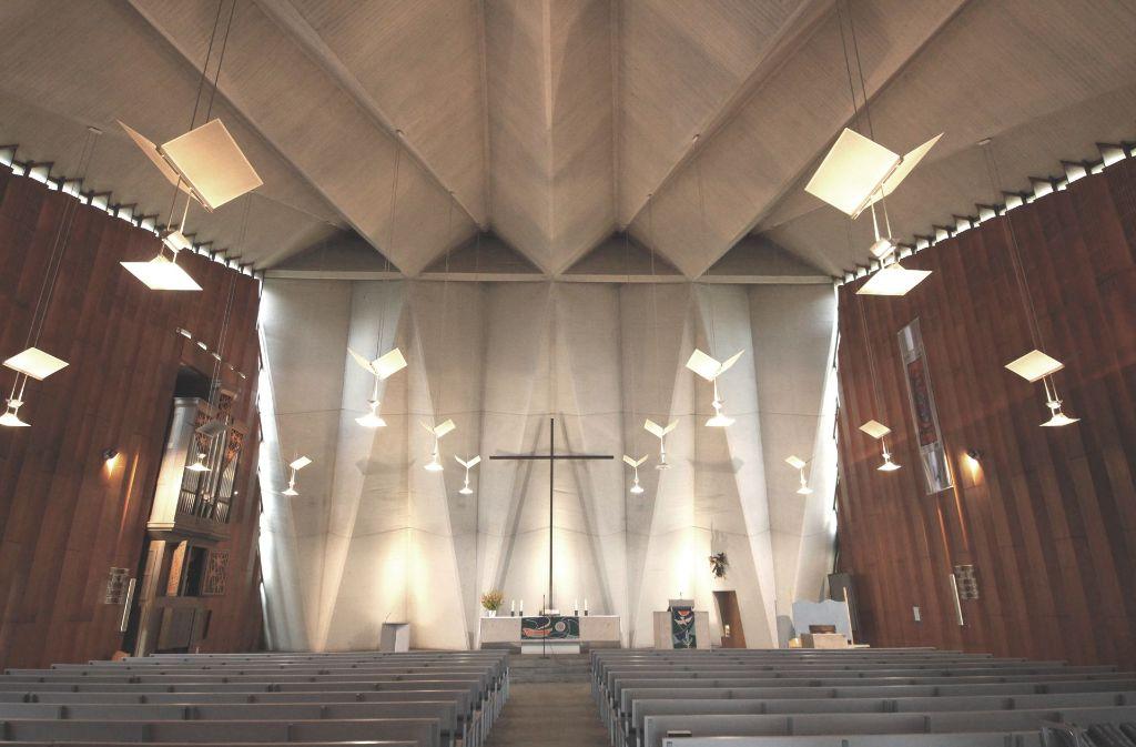 Ein künftiger Kirchenwächter könnte Besuchern auch die Zeltarchitektur der Gnadenkirche und die Kunstwerke im Gebetsraum  erklären. Foto: Katharina Kraft