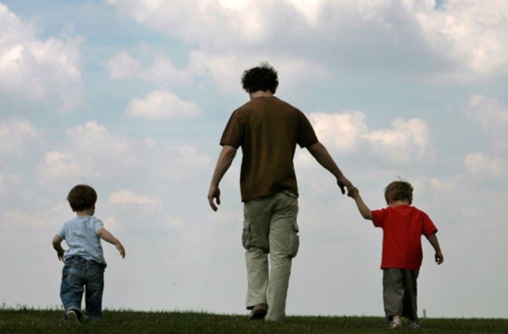 Für Kinder ist wichtig, dass auch der Vater Zeit für sie hat. Foto: dpa