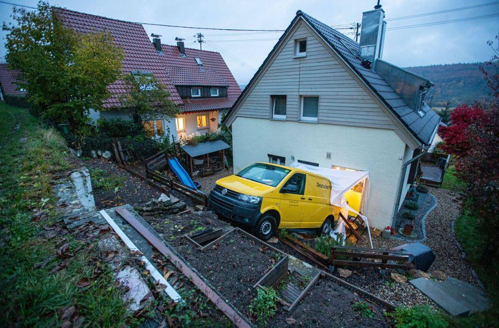 Die Post ist da – so hat sich der Hausbewohner in Remshalden das aber wohl nicht vorgestellt. Foto: 7aktuell.de/Simon Adomat