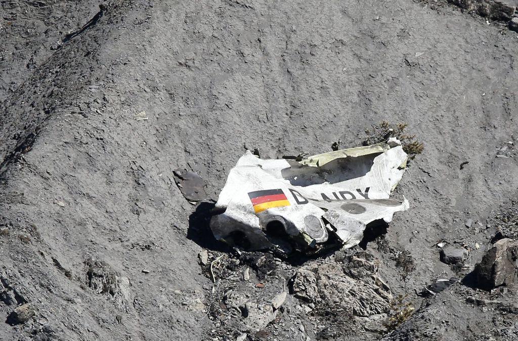 Gut zwei Jahre nach dem Absturz einer Germanwings-Maschine haben Angehörige der Opfer die Fluggesellschaft verklagt. Foto: EPA