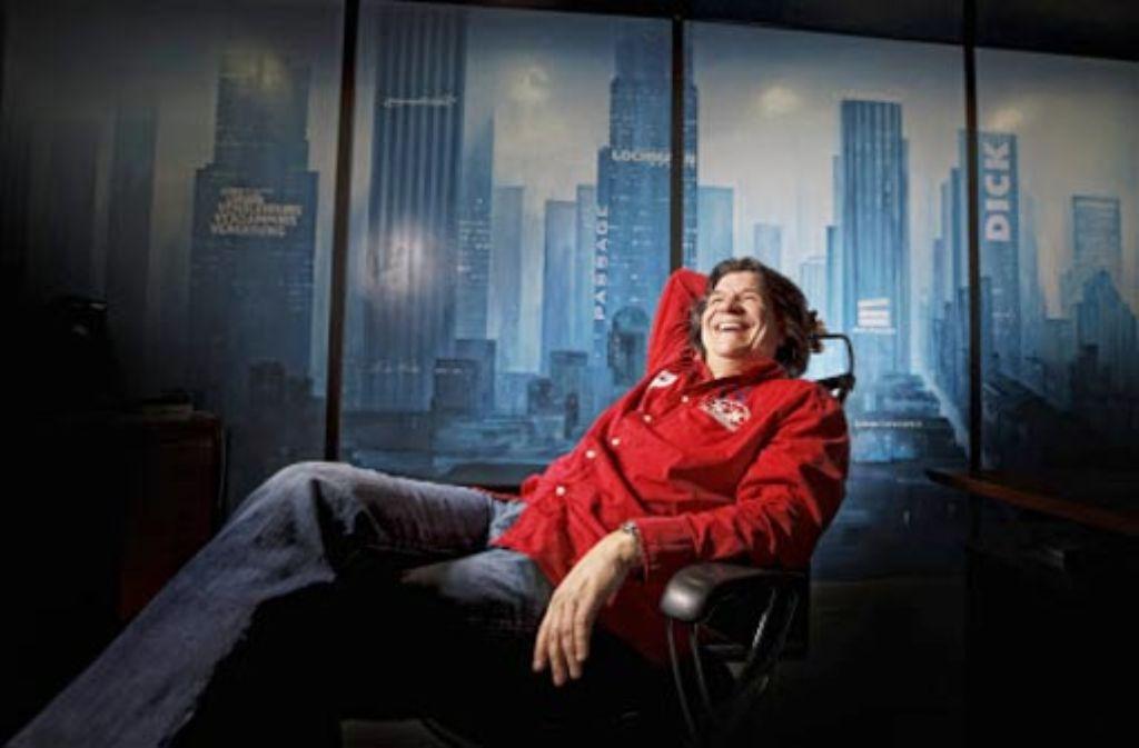 So urban ist Rudersberg: der 50-jährige Unternehmer Heinz Lochmann hat sich in seinem Büro seine eigene Skyline geschaffen. Foto:  Stoppel