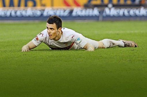 Filip Kostic hat mit dem VfB gegen den Tabellenletzten aus Hannover eine klassische Bauchlandung hingelegt. Foto: Baumann