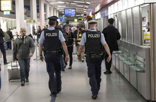 Polizei verweigert mutmaßlichem US-Neonazi die Einreise