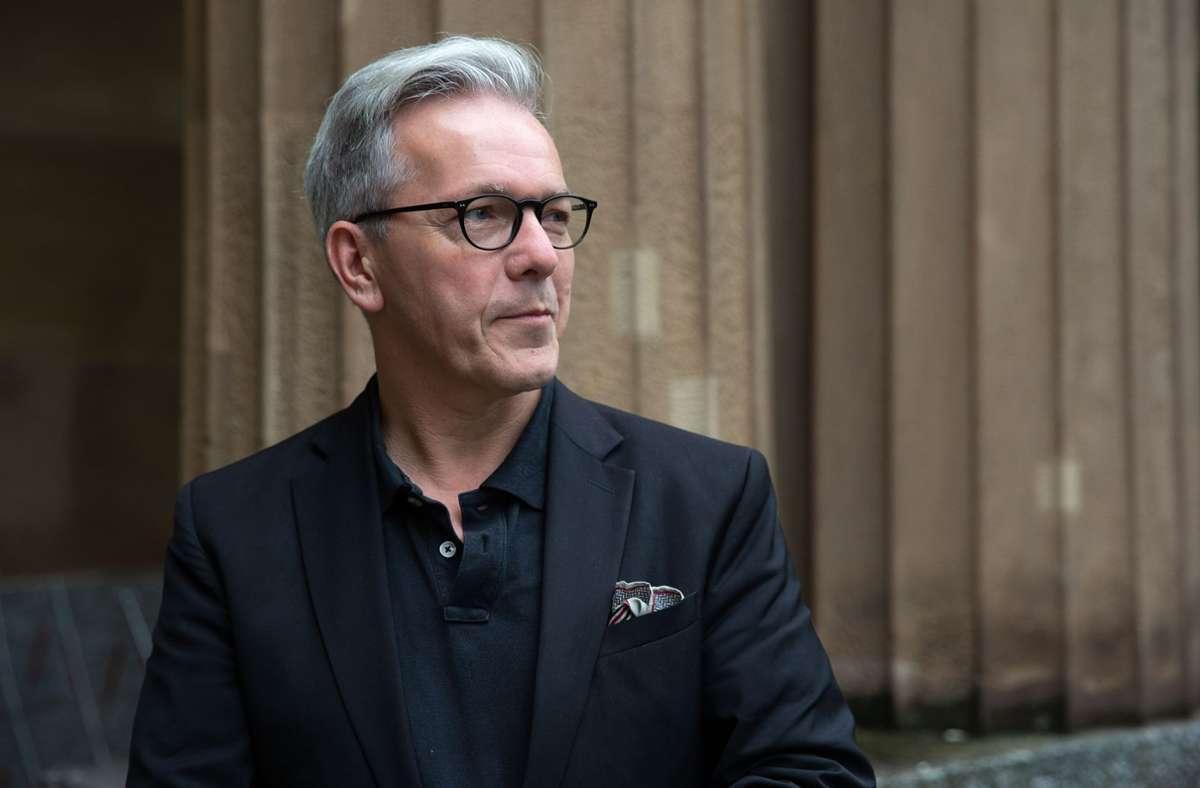 Intendant Marc-Oliver Hendriks stellt der Corona-Politik keine guten Noten aus. Foto: LICHTGUT/Leif Piechowski/Leif Piechowski