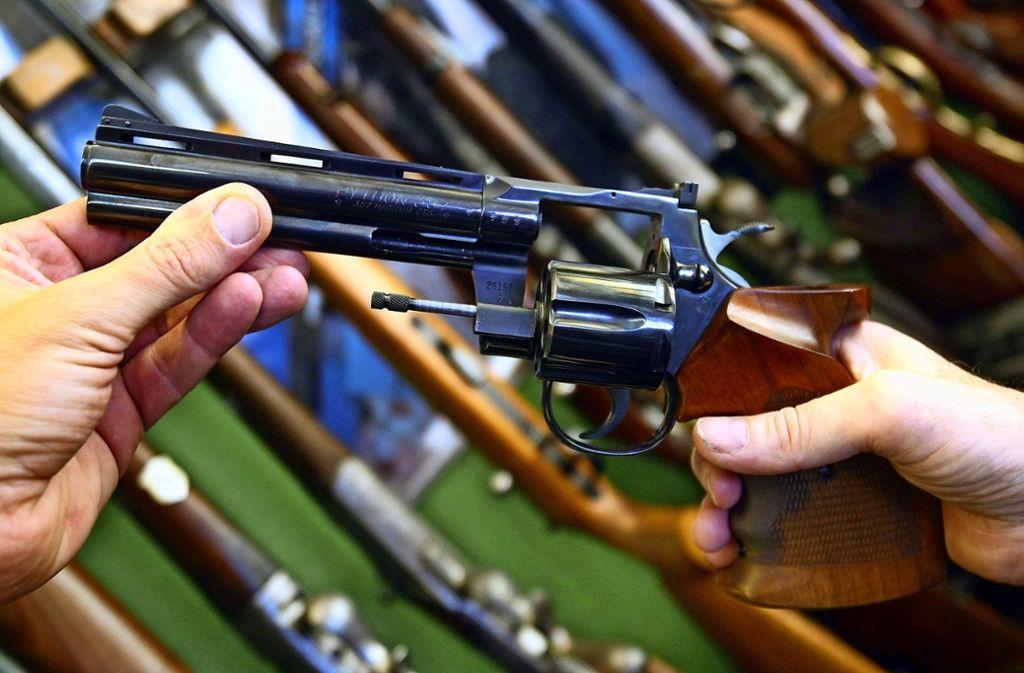 Wer sich eine Waffe zulegen will, braucht dafür einen vernünftigen Grund. Foto: dpa/Karl-Josef Hildenbrand