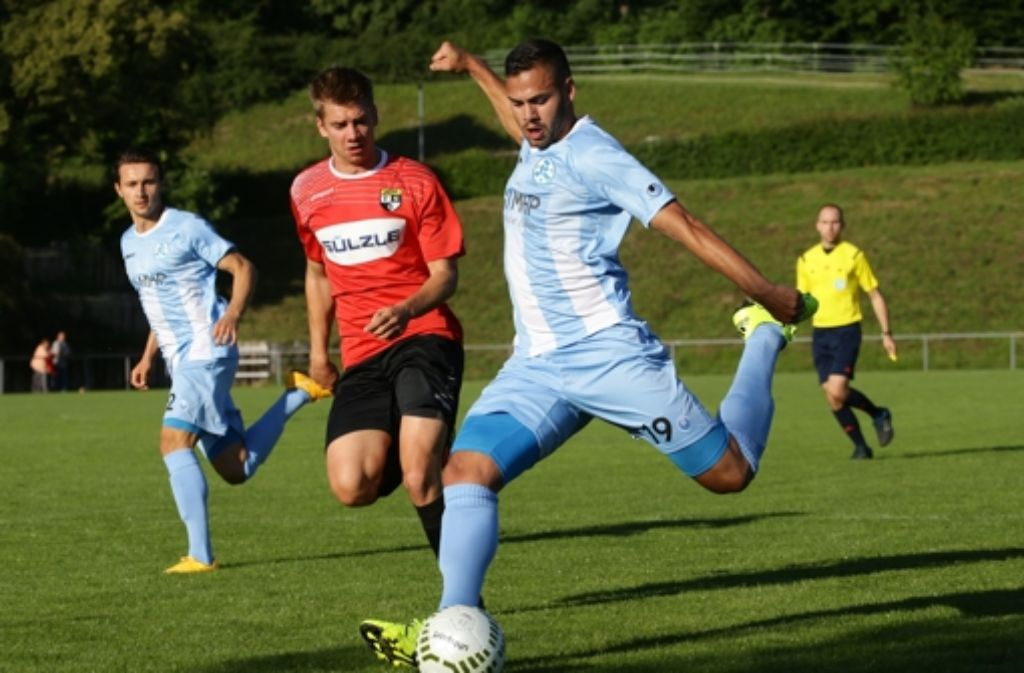 Daniel Engelbrecht hat das Kickers-Trainingslager vorsichtshalber verlassen. Foto: Baumann