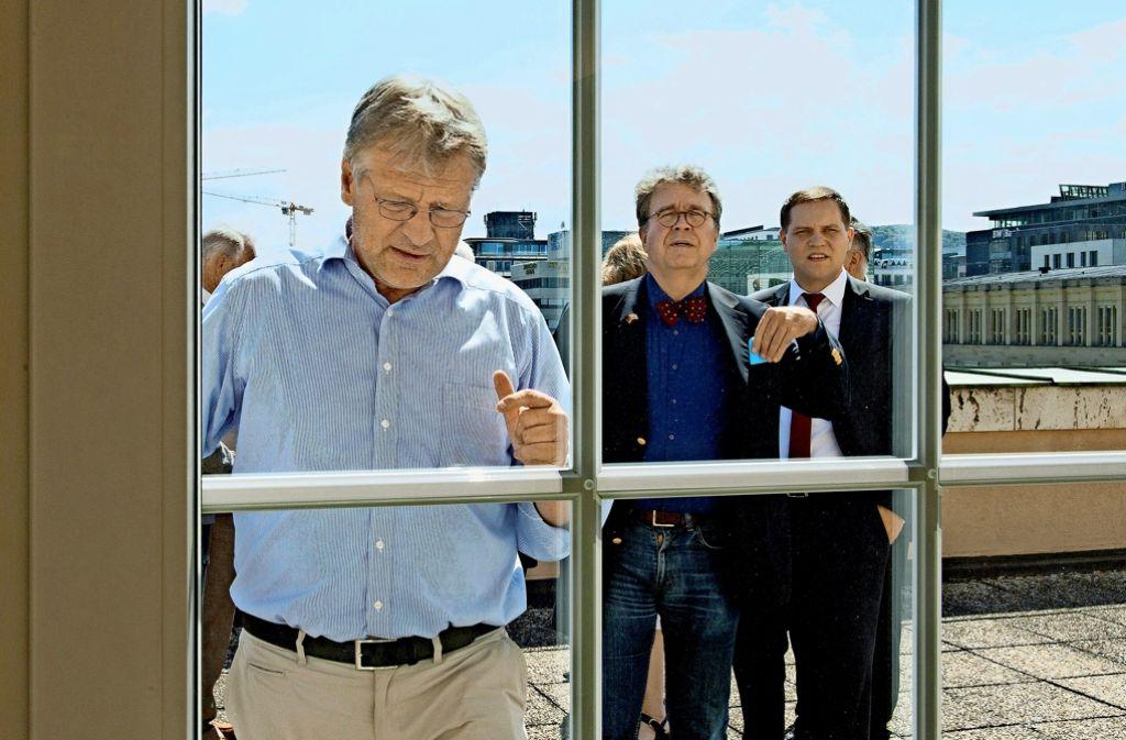 Gehen künftig eigene Wege: Der  AfD-Vorsitzende Jörg Meuthen (links) und zwölf weitere Abgeordnete (hier: Heinrich Fiechtner und Udo Stein) verlassen die Fraktion. Foto: dpa