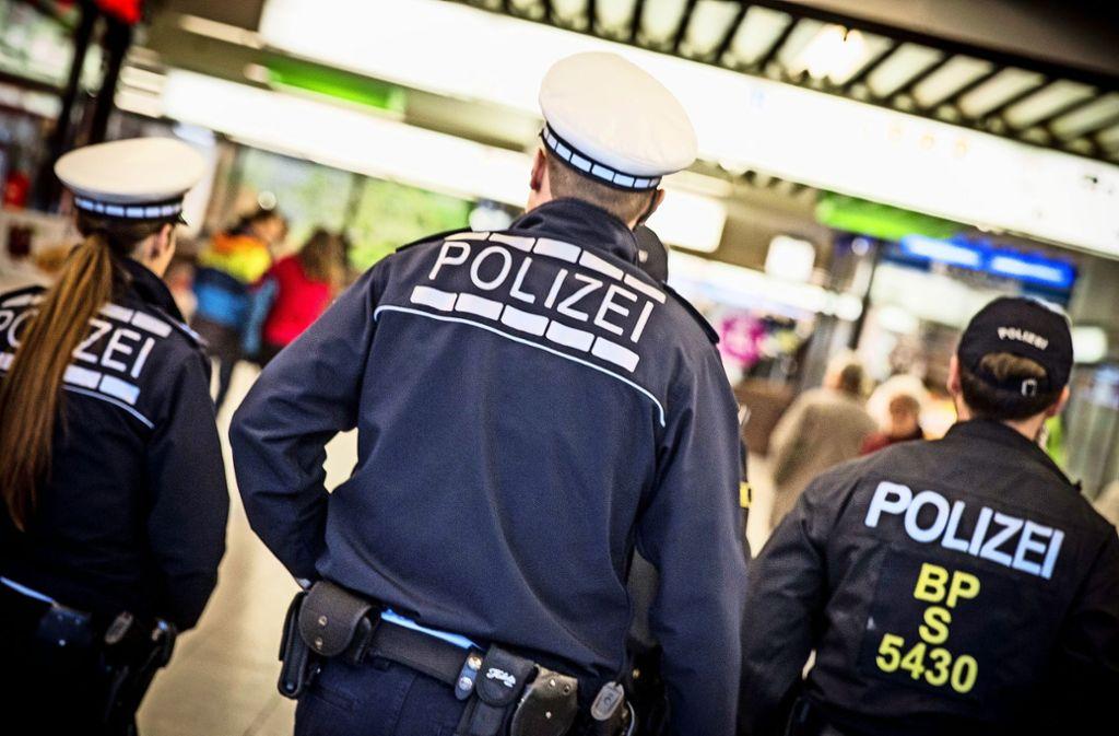 Der 16-Jährige bespuckte Beamten der Bundespolizei (Symbolbild). Foto: Lichtgut/Leif Piechowski