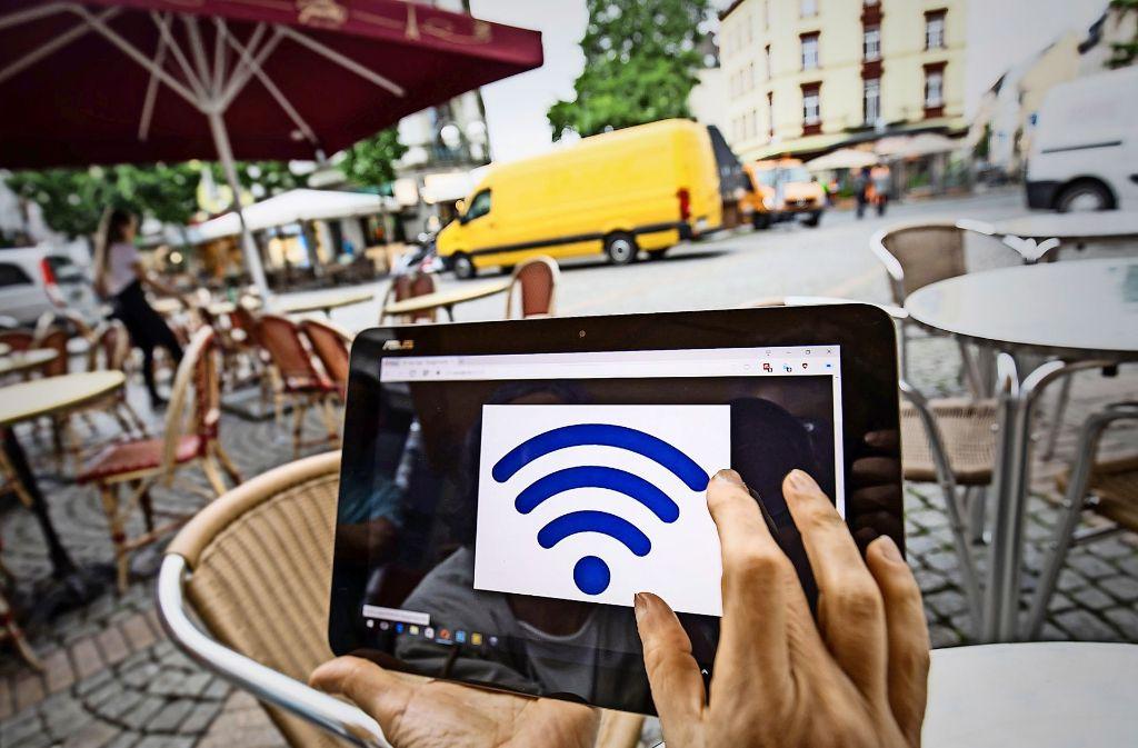 Mit kostenlosem  Wlan wollen  Kommunen ihr  Image  in der eigenen  Bevölkerung und  bei  Touristen  aufpeppen. Foto: dpa