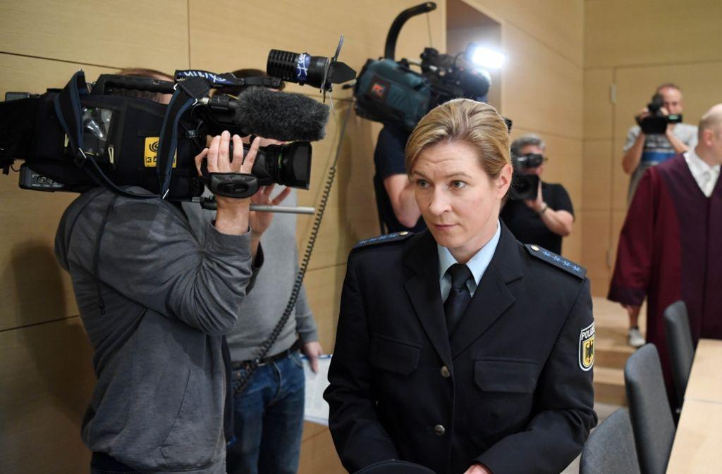 Claudia Pechstein vor dem Bundesgerichtshof. Foto: dpa