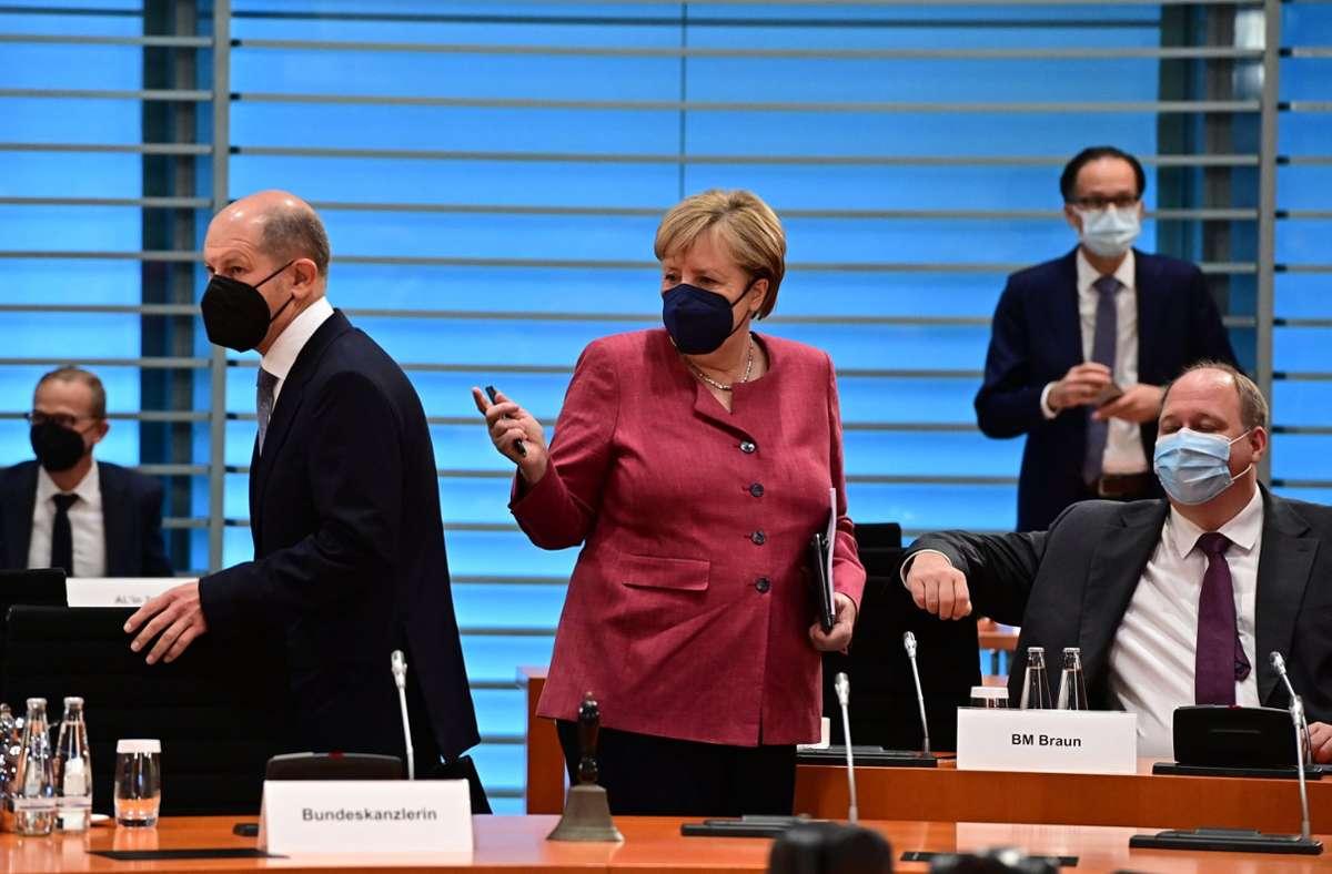 Die Bundesregierung bei ihrer wöchentlichen Kabinettssitzung am Mittwoch in Berlin. Foto: dpa/Tobias Schwarz