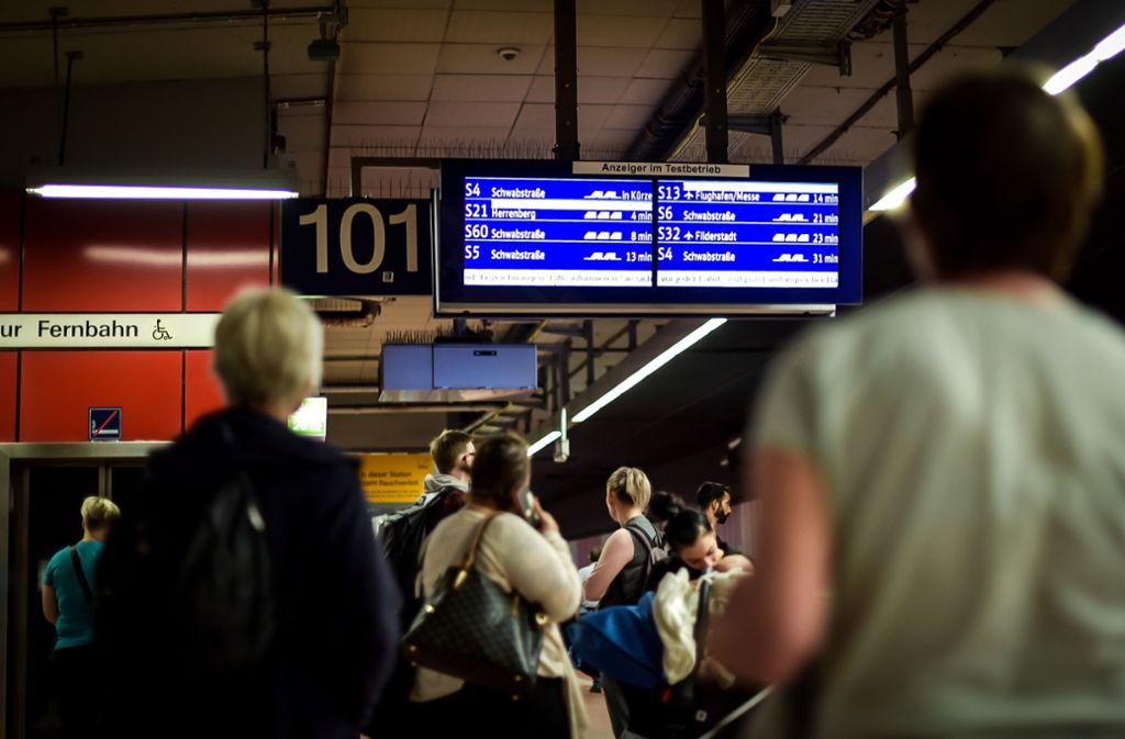 Verspätungen werden nicht mehr durchgesagt – das nervt die S-Bahnfahrer. Foto: Lichtgut/Max Kovalenko