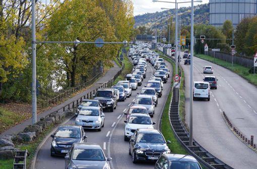 Kilometerlange Staus und verstopfte Umwege in Stuttgart