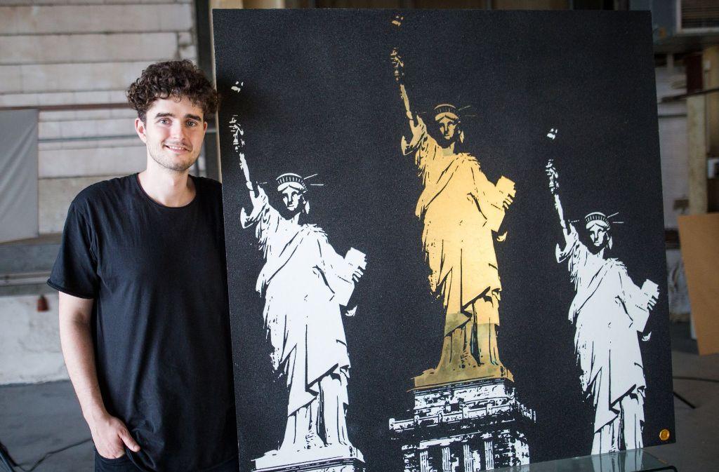 Weiß, Schwarz und Gold sind die Farben vom jungen Künstler Tim Bengel. Foto: dpa