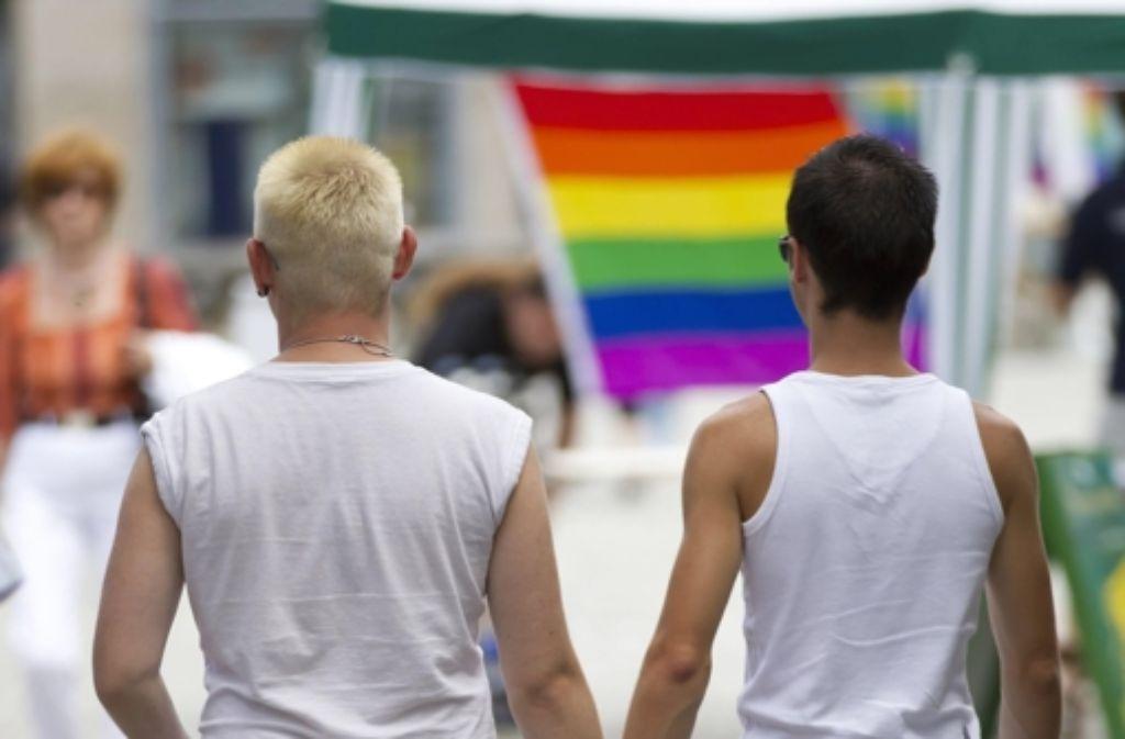 Schwul, lesbisch, hetero? Das Thema soll auch an Baden-Württembergs Schulen häufiger auf den Lehrplan. Foto: dpa