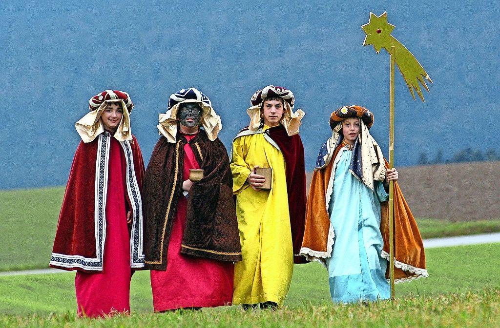 sternsinger unterwegs die heiligen drei könige auf tour