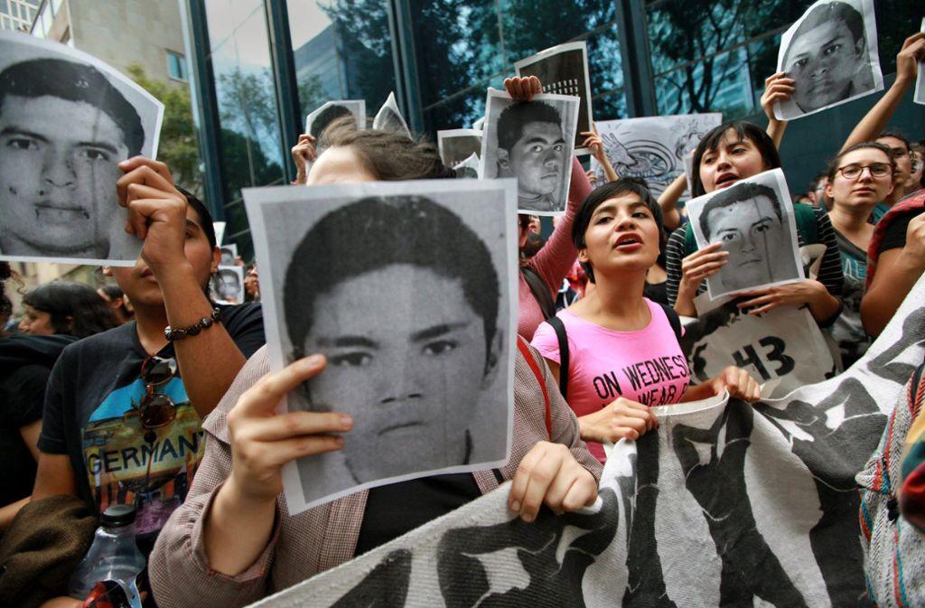 Die Familien der 43 Studenten warten seit fünf Jahren auf die Aufklärung des Falles. Foto: picture alliance/dpa/Sashenka Gutierrez