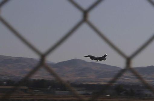 Sechs griechische Kampfbomber über Mittelmeer abgefangen