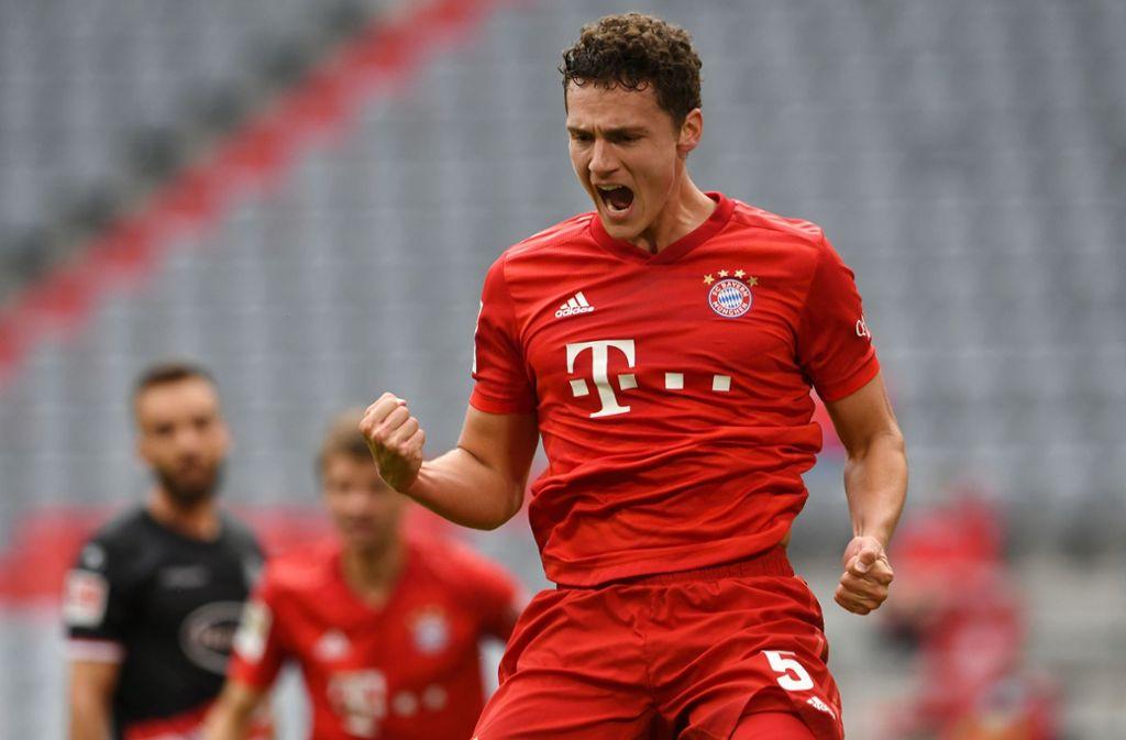 Geballte Freude: Benjamin Pavard bejubelt ein Tor für den FC Bayern Foto: AFP/CHRISTOF STACHE