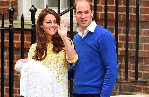 Herzogin Kate bringt die kleine Prinzessin nach Hause