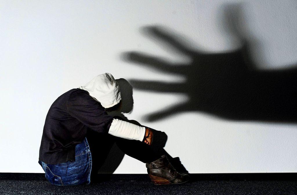 Opfer von Kriminalität können sich an den Weißen Rind wenden. Dort finden Opfer von Betrug ebenso Hilfe wie Opfer von Körperverletzung. Foto: dpa/Julian Stratenschulte