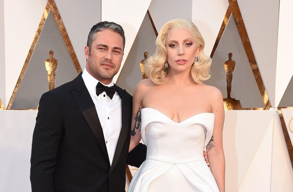 Die Sängerin Lady Gaga und ihr Verlobter Taylor Kinney legen eine Beziehungspause ein. Das haben schon viele prominente Paare vor ihnen gemacht – was nicht selten zum definitiven Aus geführt hat. Foto:
