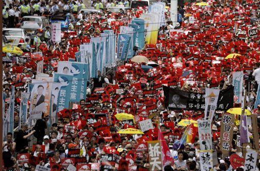 Teilnehmer an Demonstration in Hongkong auf eine Million geschätzt