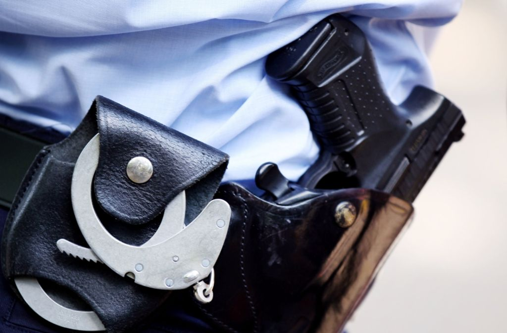 Der Schuss aus der Polizeipistole war offenbar ein Signal für den Kollegen. Foto: dpa