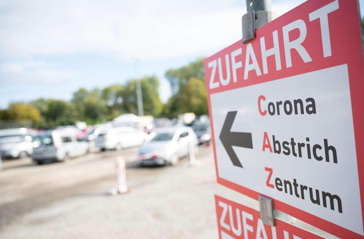 Auf der Messe soll für den coronageplagten Kreis Esslingen ein weiteres Abstrich-Zentrum errichtet werden. Foto: dpa/Sebastian Gollnow