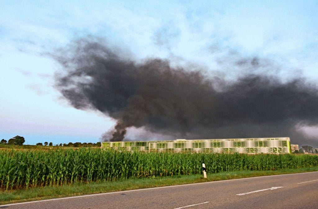 Riesige  Rauchschwaden haben den Himmel    in Weissach überzogen. Foto: 7aktuell.de/Ziegler