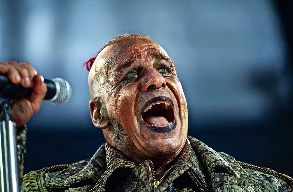 Till Lindemann, Frontsänger von Rammstein. (Archivbild) Foto: dpa/Christophe Gateau