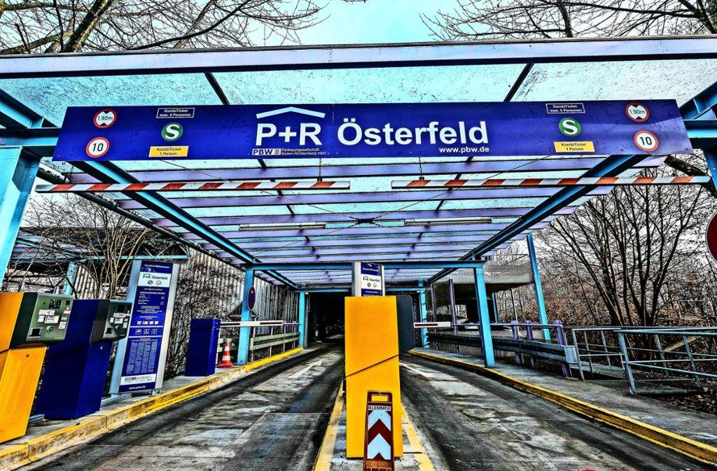 Das Parkhaus Österfeld steht oft leer, die Autofahrer parken im Wohngebiet. Foto: Lichtgut/z