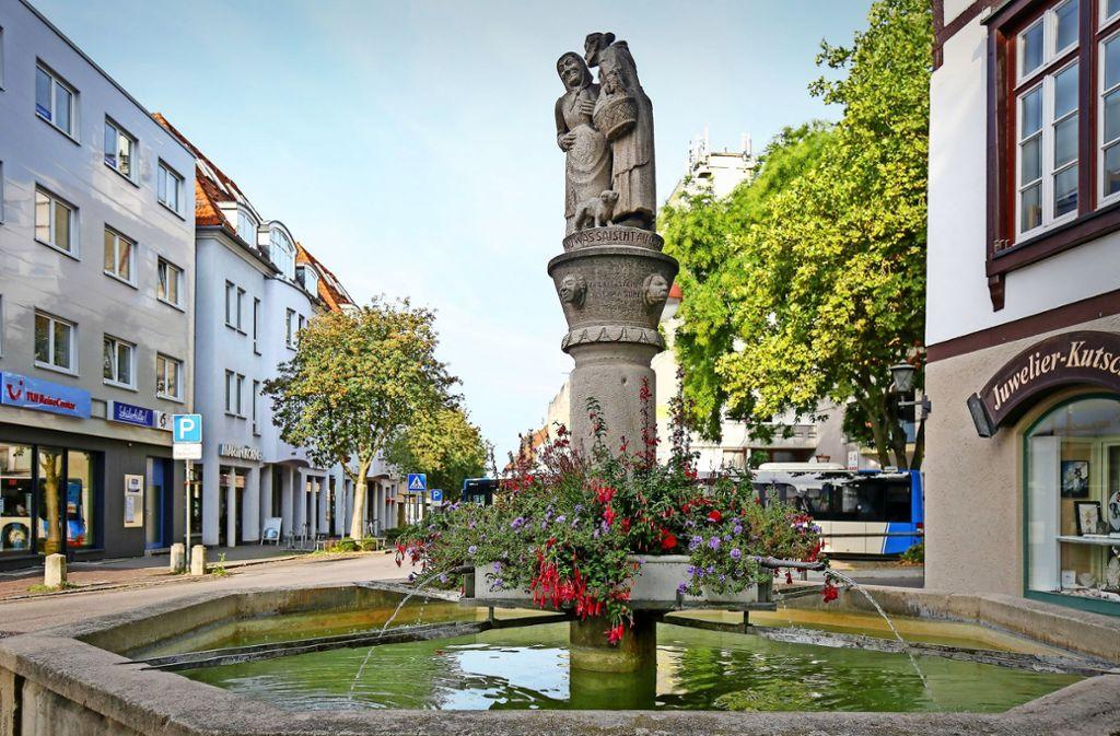 Am Sindelfinger Schwätzweiberbrunnen startet ein Spaziergang. Foto: factum/Granville