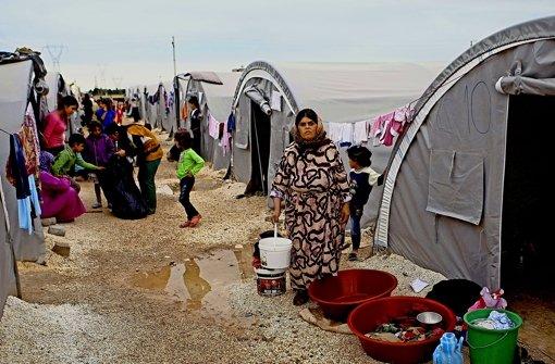 Hilfe für Flüchtlinge an der syrischen Grenze