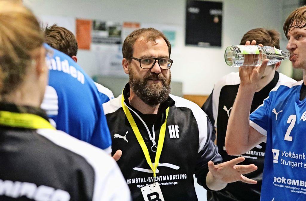 Der Trainer Henning Fröschle engagiert sich nur noch bis zum Saisonende bei den Handballern des TSV Schmiden. Foto: Patricia Sigerist