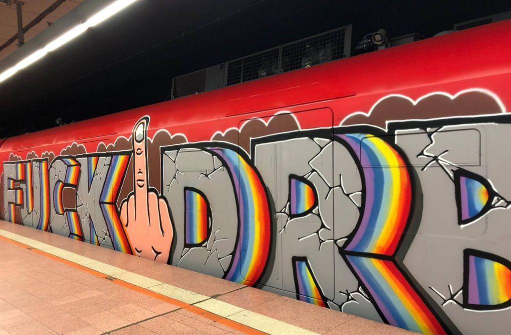 S-Bahn als Leinwand: Ist dies eine Botschaft unter Graffiti-Konkurrenten? Foto: 7aktuell.de/Andreas Werner