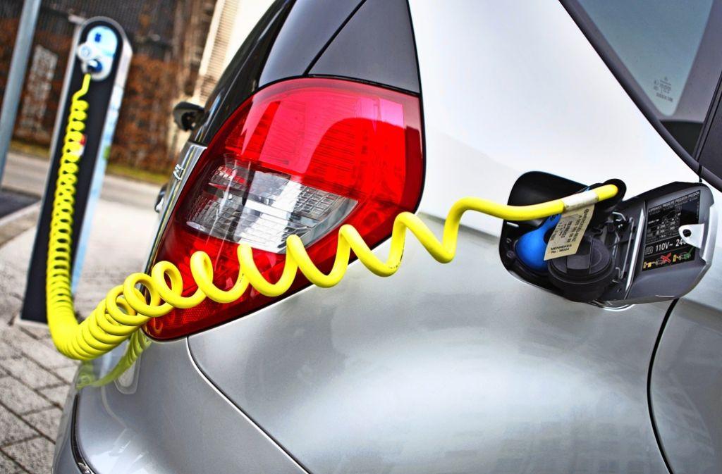 Die Regierung hat die Kaufprämie für E-Autos zwar beschlossen. Doch die zuständige Behörde nimmt noch keine Anträge an. Foto: dpa
