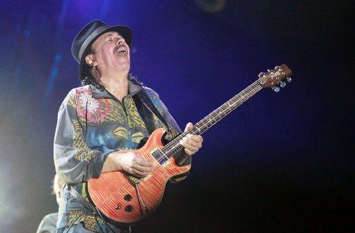 Santana lässt die Saiten jubeln