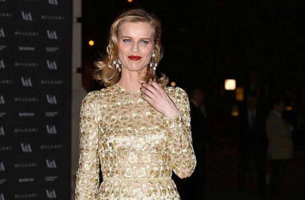 Supermodel Eva Herzigova bei Eröffnung der Ausstellung Glamour of Italian Fashion. Foto: Getty Images Europe