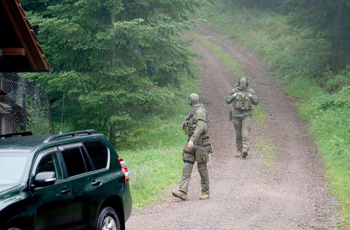 Die Einsatzkräfte konnten den Mann nach fünftägiger Flucht festnehmen. Foto: dpa/Benedikt Spether