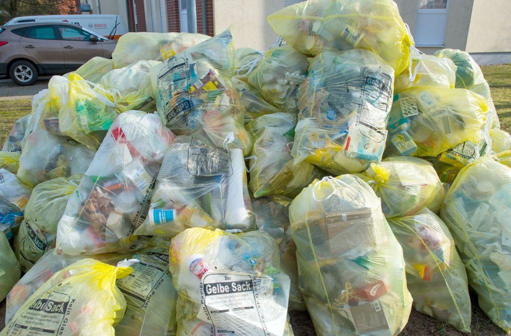 Kunststoffe für Einwegprodukte und Verpackungen machen den größten Teil des deutschen Plastikmülls aus. Foto: dpa