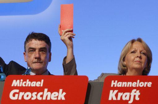 Erntet Widerspruch in Stuttgart: NRW-Verkehrsminister Groschek (mit Chefin Kraft) Foto: dapd